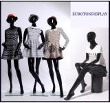 weibliche abstrakte Schaufensterpuppe schwarz Glanz